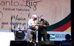 https://www.cantodeluz.com.br/imagens/h163_w260__Música