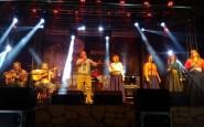 Baile nos Baiano o Grupo Vocal Querência.jpg