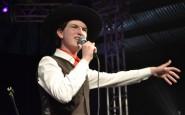 Juvenil - De Fontoura Xavier, Felipe Pinheiro cantou A Grade dos Olhos (7).JPG
