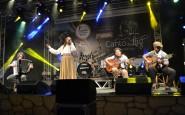 Kassia Macedo Costa, de Gravataí, canta Nas asas da Solidão (2).JPG