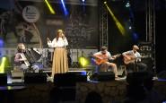 Kassia Macedo Costa, de Gravataí, canta Nas asas da Solidão (1).JPG