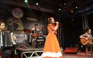 Mirim - Milena Gauber Krebs, de São Vicente do Sul, cantou o chamamé Abre Essa Gaita (2).JPG