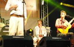 06 - Rogério Knorst, Motivos para o meu cantar.jpg