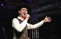 Juvenil - De Fontoura Xavier, Felipe Pinheiro cantou A Grade dos Olhos (8).JPG