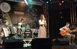 Nathalia de Carli Kollet cantou Sinceridade no Palco do CTG Clube Farroupilha (2).JPG
