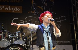 Mirim - De Santo ângelo, Murilo Vargas cantou a canção Veterano (2).JPG
