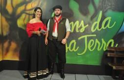 Analise Severo e Nando Soares
